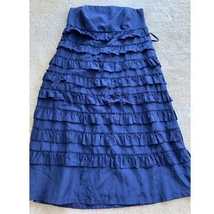 GAP size 4 Navy blue strapless dress with ruffles